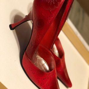 Size 8 BCBGirls Red Floral Stiletto